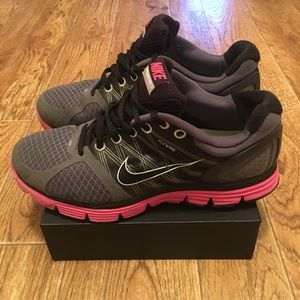 Nike Lunar Glide 2 Flywire Women's Athletic Shoes